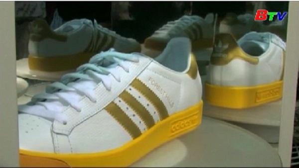 Tòa án EU bác bản quyền về nhãn hiệu họa tiết 3 sọc của Adidas