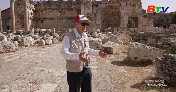 Tham quan thành phố cổ Baalbek cùng hướng dẫn viên 78 tuổi