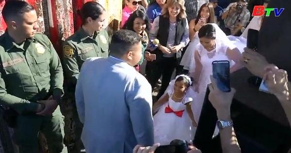 Đám cưới lãng mạn xuyên biên giới Mỹ - Mexico
