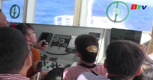 Lời chúc Tết giữa biển khơi