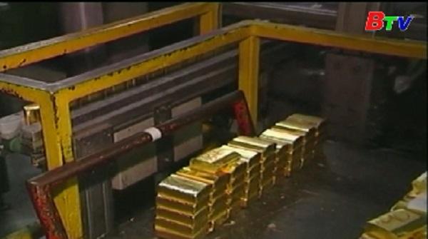 Giá vàng, bạch kim thế giới sụt giảm