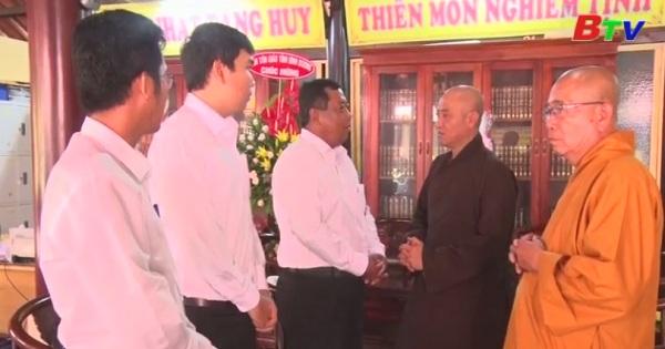Lãnh đạo Tp. Thủ Dầu Một thăm, chúc mừng các chùa nhân đại lệ Vu Lan 2018
