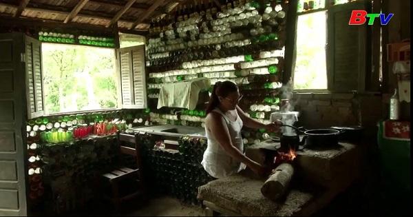 Độc đáo ngôi nhà bằng chai thủy tinh ở Brazil