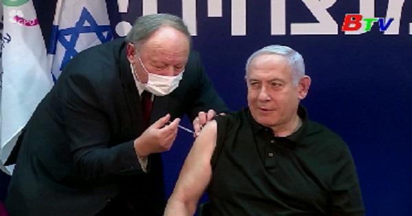 Thủ tướng Israel tiêm vaccine ngừa COVID-19