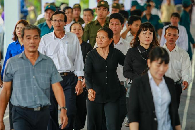 Hàng chục ngàn người dân tiễn đưa nguyên Thủ tướng Phan Văn Khải