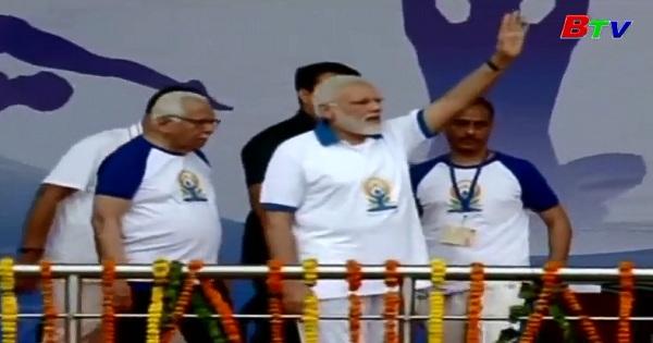 Thủ tướng Ấn Độ Narendra Modi hưởng ứng ngày Yoga quốc tế lần III