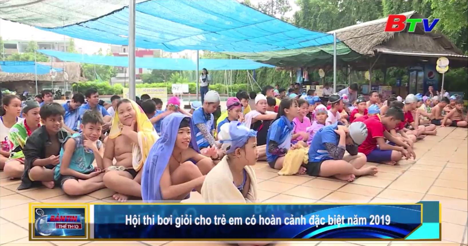 Hội thi bơi giỏi cho trẻ em có hoàn cảnh đặc biệt