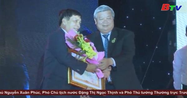 Công ty cổ phần công nghiệp Đông Hưng đón nhận Huân chương Lao động Hạng III