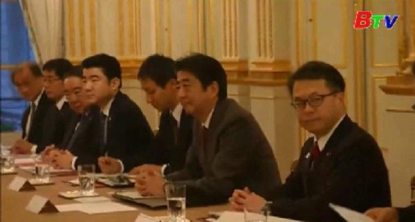 Thủ tướng Nhật Bản trong chuyến thăm Pháp
