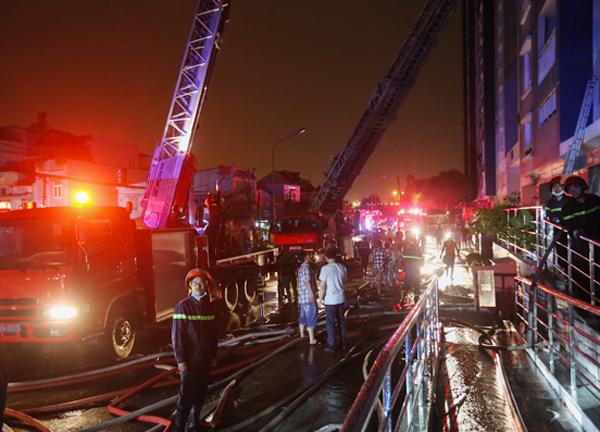 13 người chết, 14 người bị thương trong vụ cháy chung cư ở TP Hồ Chí Minh
