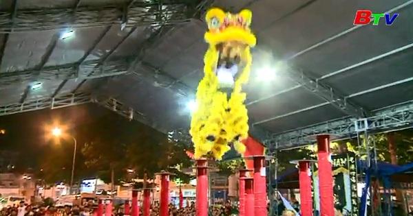 Giải Lân lên mai hoa thung TP Thủ Dầu Một mở rộng năm 2017