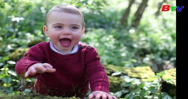 Hoàng Gia Anh công bố 3 bức ảnh mới nhất của hoàng tử Louis