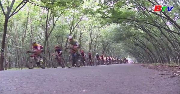 Giải xe đạp Truyền hình Bình Dương mở rộng lần thứ VI năm 2019 - Cúp Tôn Đại Thiên Lộc - Sôi nổi chặng đua áp chót