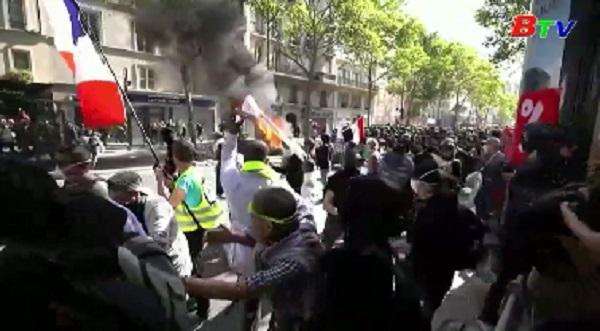 Pháp - Tuần hành chống biến đổi khí hậu biến thành bạo lực