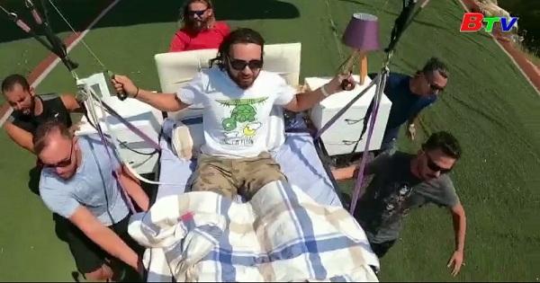 Bay với giường ngủ trong không trung ở Thổ Nhĩ Kỳ