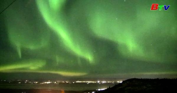 Ngắm Bắc Cực quang trên bầu trời Alaska