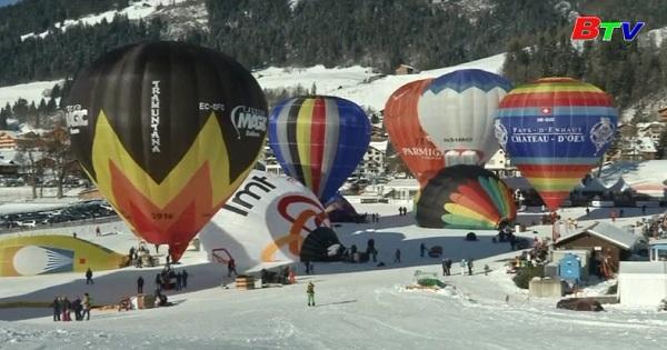 Lễ hội khinh khí cầu quốc tế thường niên Chateau Doex lần thứ 39  tại Thụy Sỹ