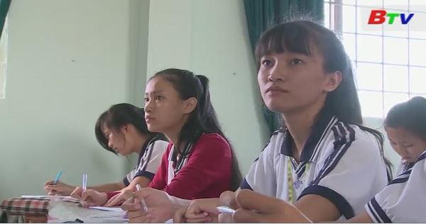 Thắp sáng ước mơ xanh - Em Mai Thị Thu Tuyết, lớp 12D3, trường THPT Hùng Vương, Đồng Xoài, Bình Phước
