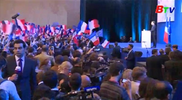 Ứng viên Macron kêu gọi người dân Pháp đoàn kết