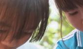 Thắp sáng ước mơ xanh - Em Đào Thị Diệu Thanh, lớp 12A1 và Đào Thị Anh Vân, lớp 11A3, trường THPT Hùng Vương, huyện Krông Ana, Dakak
