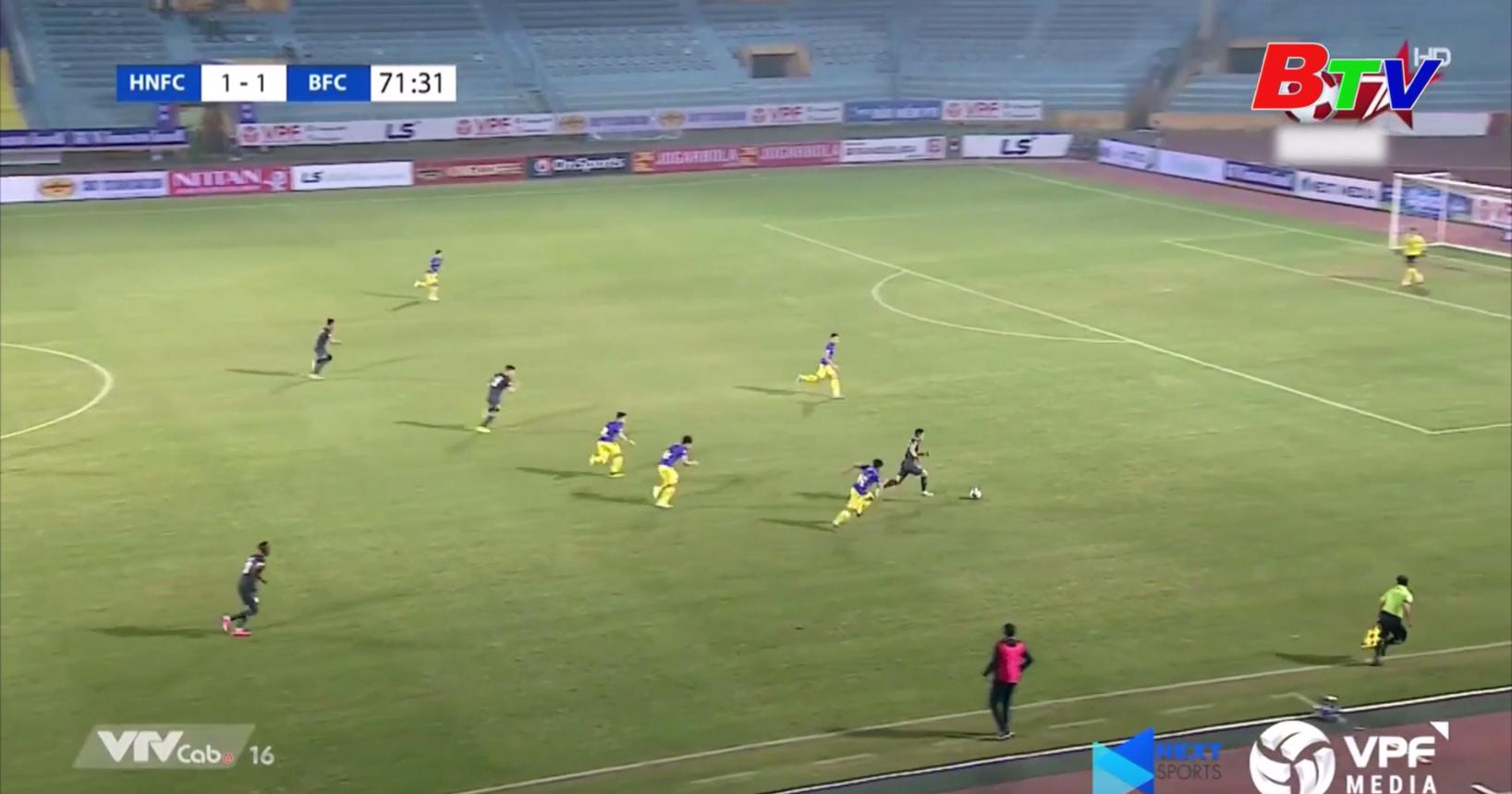 Becamex Bình Dương lội ngược dòng đánh bại Hà Nội FC