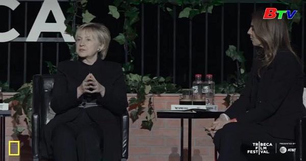 Hilary Clinton bất ngờ xuất hiện tại liên hoan phim Trebeca