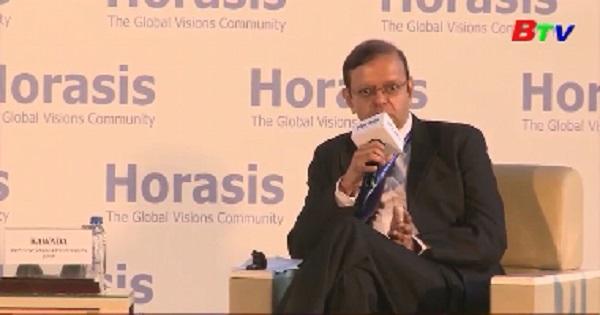 Phiên họp toàn thể triển vọng kinh tế toàn cầu và Châu Á