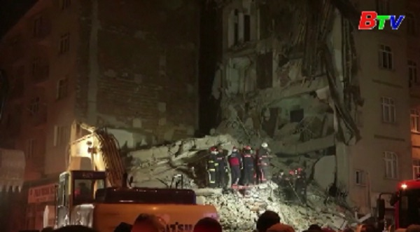 Thương vong gia tăng trong vụ động đất ở Thổ Nhĩ Kỳ
