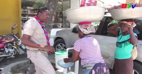 Haiti - Lắp đặt các bồn rửa tay phòng dịch covid-19