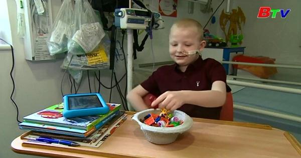 Jay Crouch - Cậu bé đầu tiên được cấy ghép 5 bộ phận hiến tặng