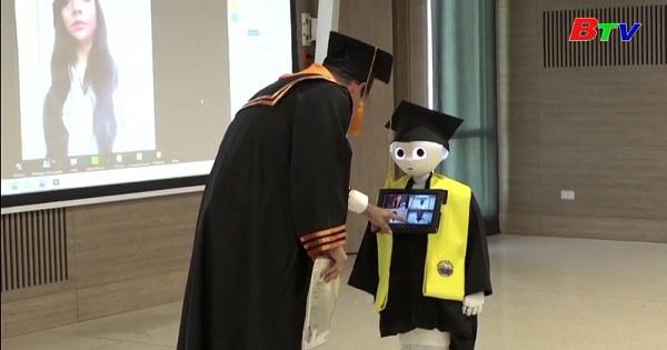Thú vị chuyện Robot thay sinh viên tham dự lễ tốt nghiệp  ở Colombia