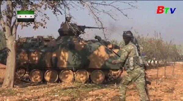 Thổ Nhĩ Kỳ tăng cường lực lượng trên biên giới với Syria