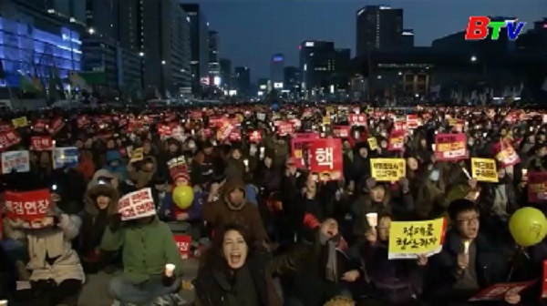 Biểu tình rầm rộ ở thủ đô Seoul