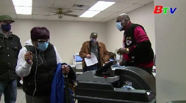 Bầu cử Mỹ - Hơn 58 triệu cử tri đã bỏ phiếu sớm