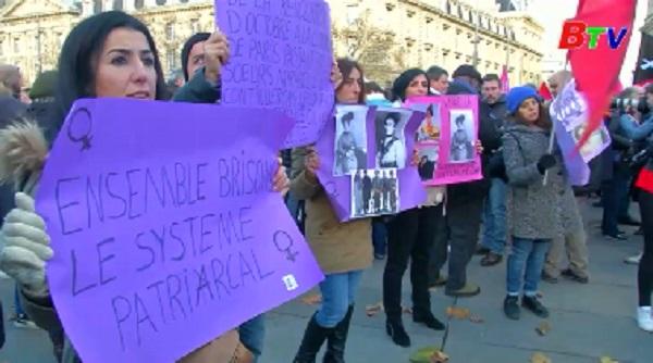 Pháp công bố kế hoạch chống bạo lực đối với phụ nữ