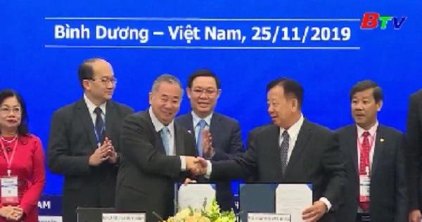Becamex ký kết hợp tác với đại học quốc gia Singapore