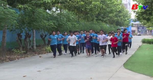 Đại học Thủ Dầu Dầu Một đặt mục tiêu cao tại Giải Việt dã Chào năm mới