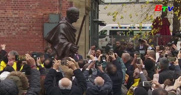 Khánh thành bức tượng Mahatma Gandhi tại thành phố  Manchester