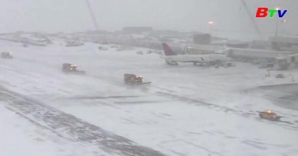 Bão tuyết gây khó khăn cho kỳ nghỉ lễ tạ ơn của hàng triệu người dân Mỹ
