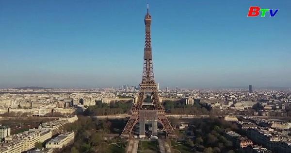 Paris và Madrid trước và giữa mùa đại dịch
