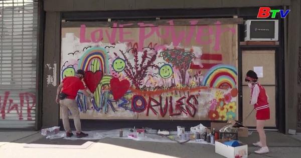 Tranh tường lan tỏa hy vọng ở Lower Manhattan - Mỹ