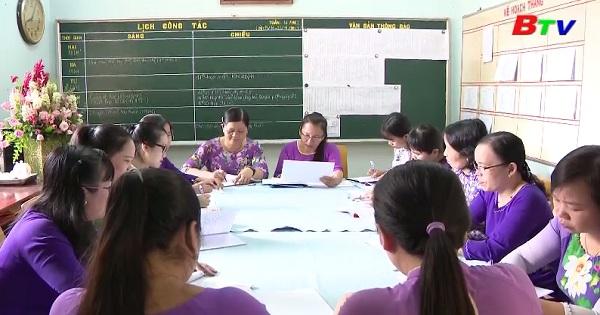 Tập thể tổ ngữ văn - Trường THPT Thanh Tuyền, Dầu Tiếng  thực  hiện tốt chỉ thị 05