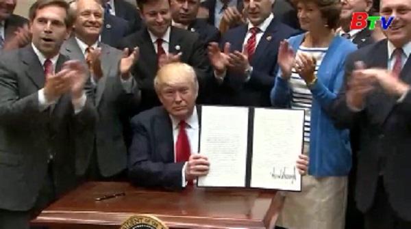Trump dỡ bỏ lệnh cấm khai thác dầu mỏ, khí đốt ngoài khơi
