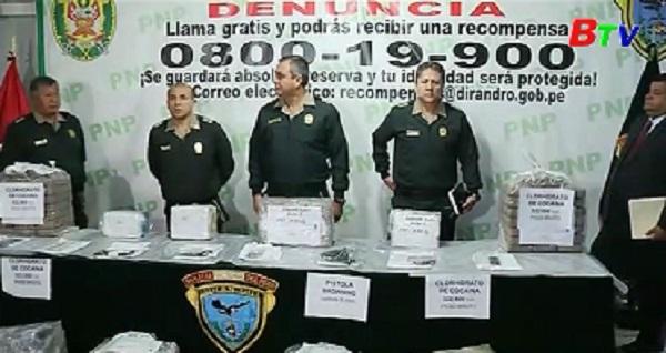Cảnh sát Peru bắt giữ hơn 332 ký cocaine