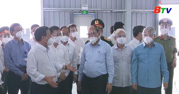 Chủ tịch nước kiểm tra công trường khu điều trị dã chiến 5.000 giường