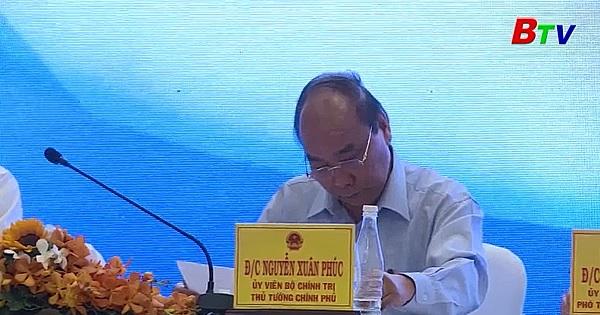 Thủ tướng Chính phủ yêu cầu huy động mọi nguồn lực dốc sức phục hồi kinh tế, đón thời cơ