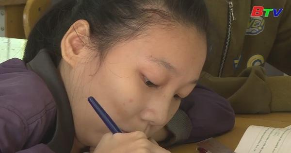 Thắp sáng ước mơ xanh - Em Nguyễn Thị Minh, lớp 11A9, trường THPT Hùng Vương, huyện Krông Ana, tỉnh Daklak
